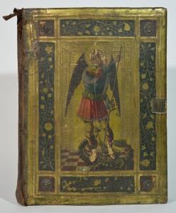 Gefälschter Bucheinband, Vorderseite mit hl. Michael; angeblich Siena 1454, jetzt Icilio Federico Joni (ca. 1866–1946) zugeschrieben. Kulturhistorische Sammlung, Museum im Palais, Inv.-Nr. 14085; Foto: UMJ / Valentin Delić