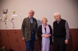 Joanneums-Intendant mit Emilia und Ilya Kabakov beim Ausstellungsaufbau; Foto: UMJ / N. Lackner