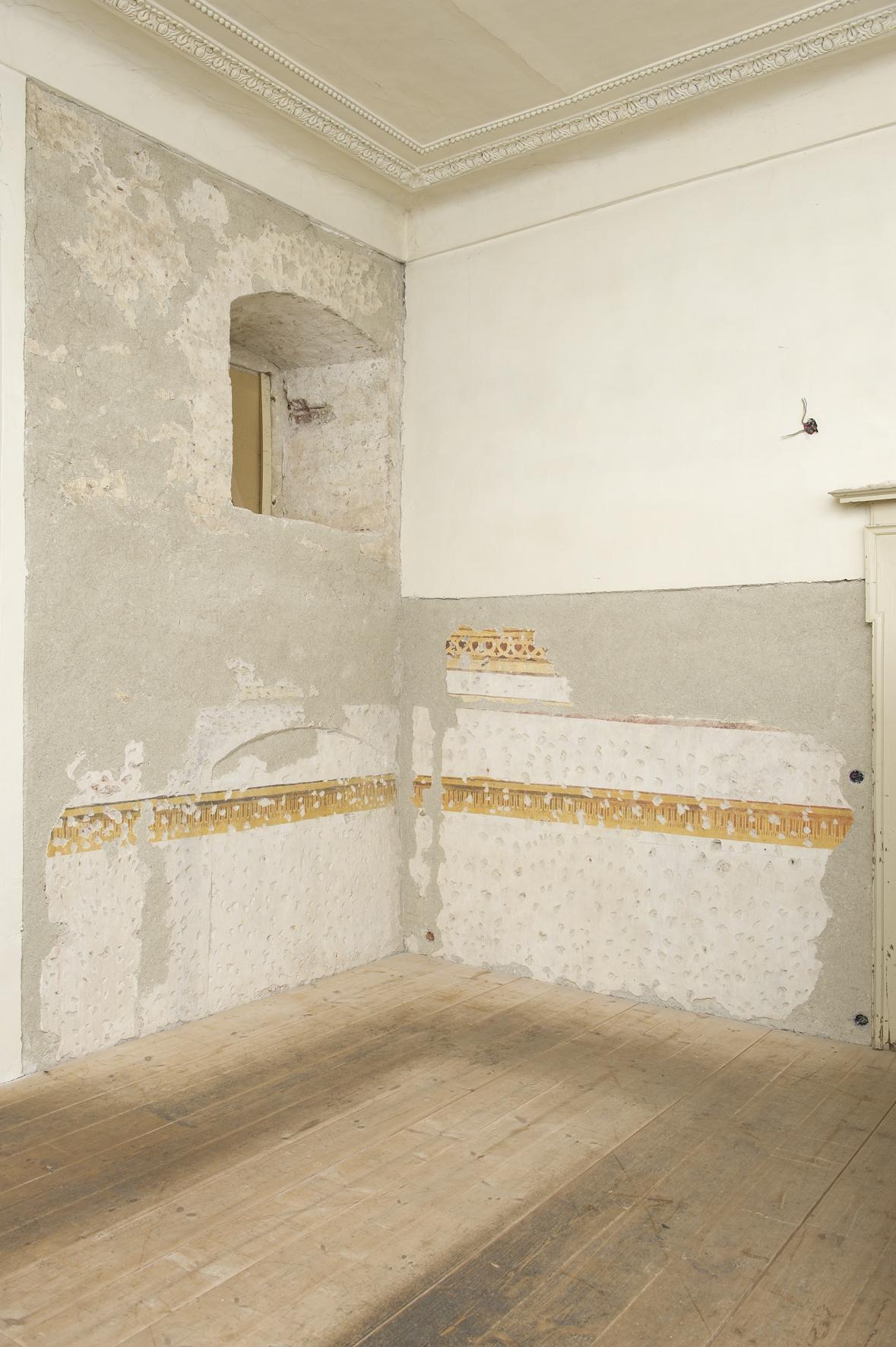 Die freigelegten Fragmente einer gemalten Wanddekorationen geben uns einen Eindruck darüber, wie bunt die Innenräume des alten Eggenberger Schlosses im späten Mittelalter waren. Zu sehen am Tag des Denkmals, Foto: UMJ/ N. Lackner