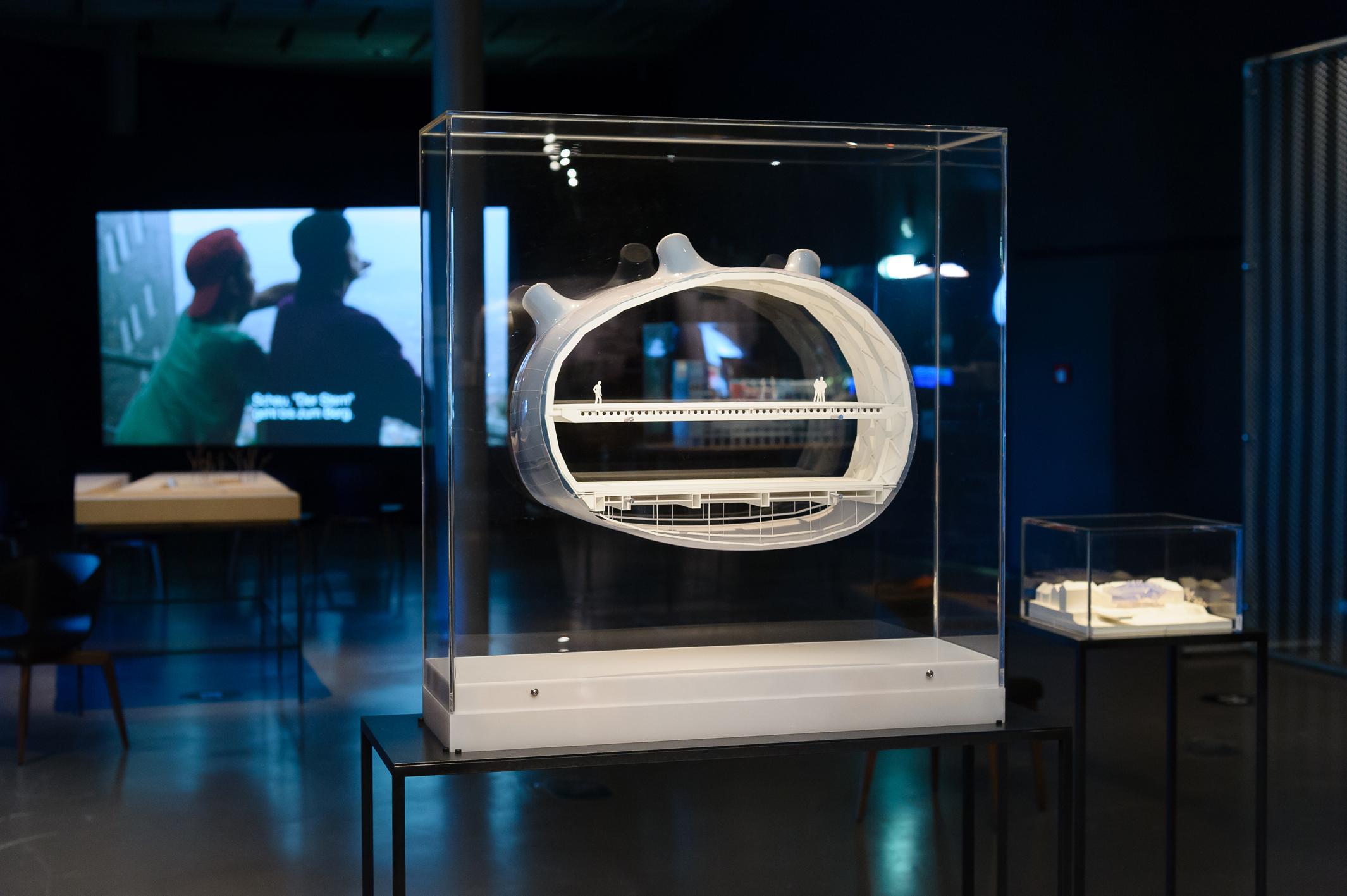 Schnitt, Modell des Kunsthaus Graz, Ausstellungsansicht, Kultur:Stadt, 2013, Foto: UMJ/N. Lackner
