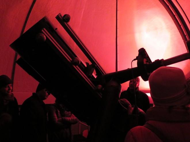 Ein Blick ins älteste Museum der Welt durch das Teleskop der Kepler Sternwarte.