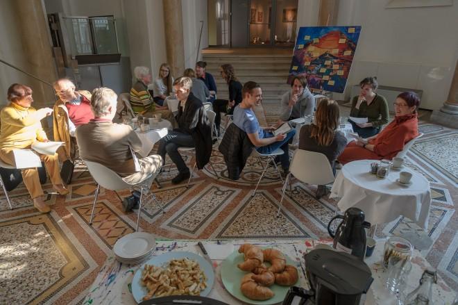 """Die Veranstaltungsreihe """"Filtercafé"""" in der Neuen Galerie Graz erfreut sich immer größerer Beliebtheit. Foto: Universalmuseum Joanneum"""