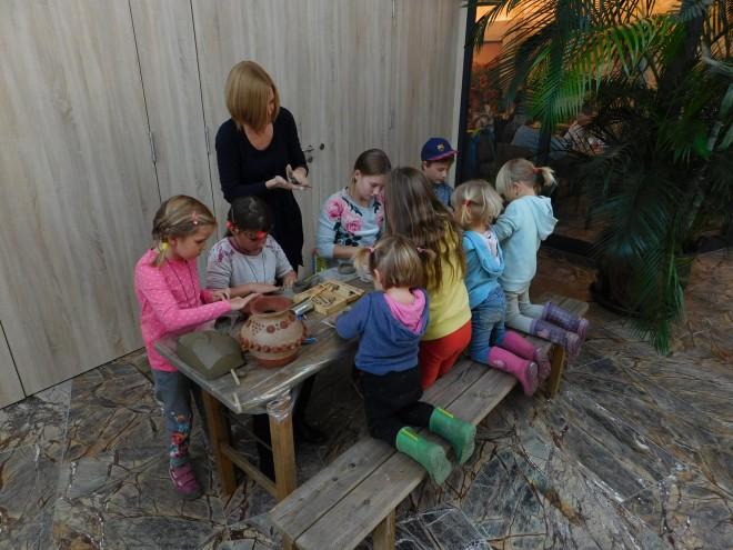 Beim Kinderprogramm konnten sich die jungen Besucher/innen austoben, Foto: UMJ