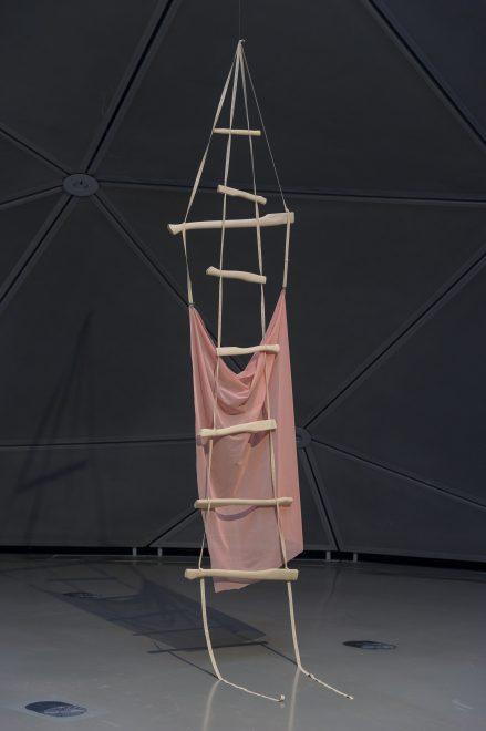 Torso Ausstellungsansicht, Bittersüße Transformation, 2016, Foto: Universalmuseum Joanneum/N. Lackner
