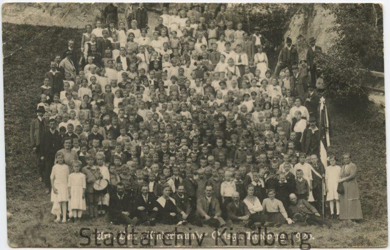 "Unbekannter Fotograf, ""Kinderfreunde"" der Ortsgruppe Kindberg, Nachlass Franz F. Seidl, 1920."