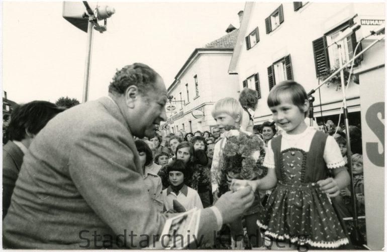 Unbekannter Fotograf, Besuch von Bundeskanzler Bruno Kreisky in Kindberg, 1970er-Jahre;