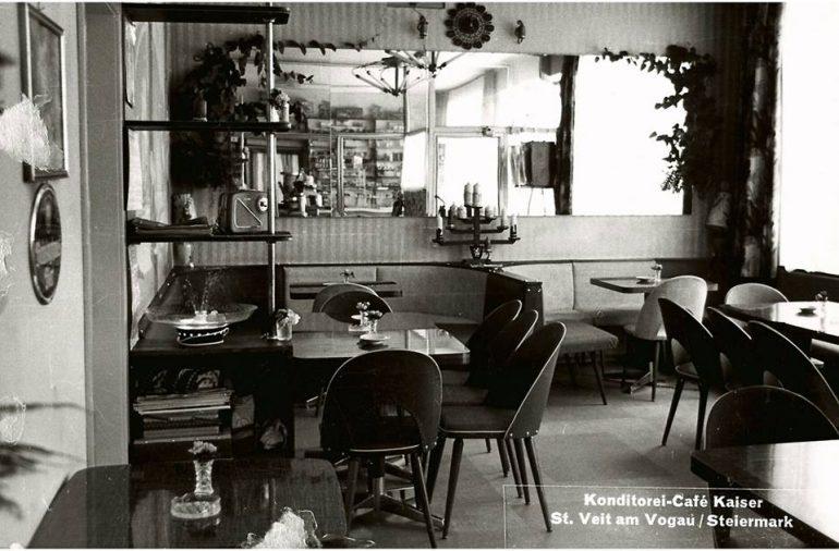 Foto: Ausschnitt einer Postkarte (Foto Bauer), Blick ins Cafe Kaiser, 1963
