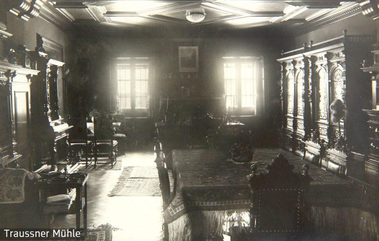 Salon im Herrenhaus der Mühle, um 1915