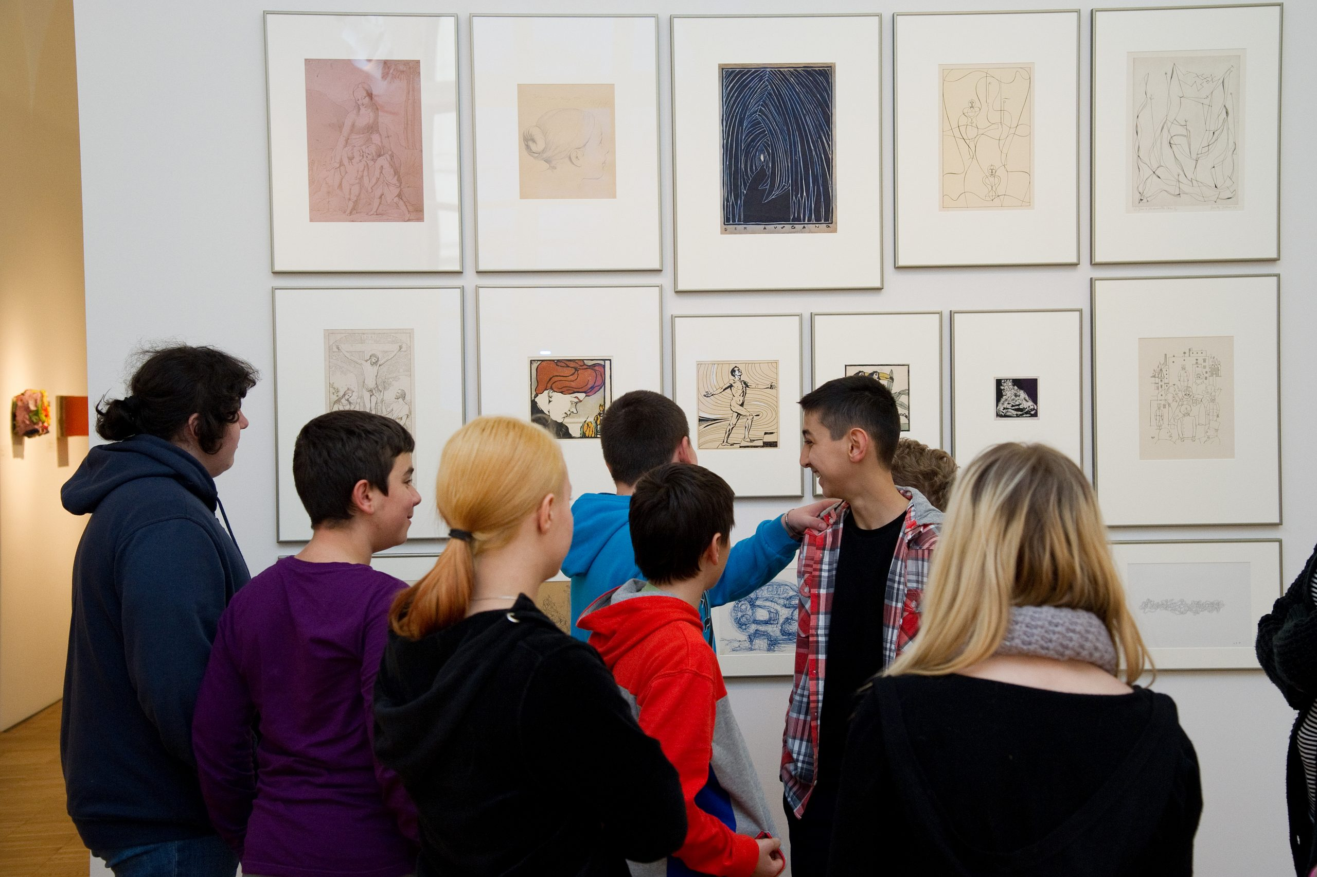 Schüler*innen im Museum
