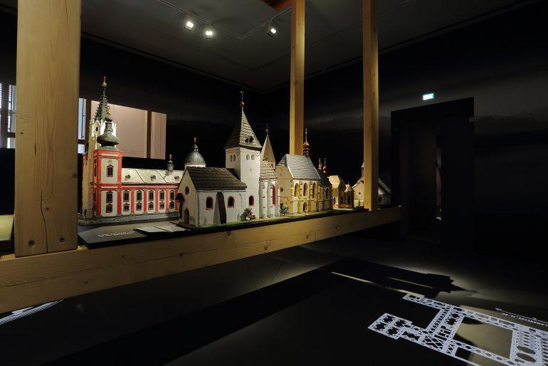 """Ausstellungsansicht """"was war"""" im Museum für Geschichte, Foto: Unviersalmuseum Joanneum/J.J. Kucek"""