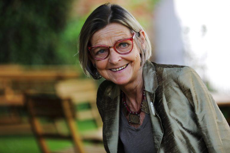 Gabriele Wolf vom Museumsforum Steiermark lächelt in die Kamera
