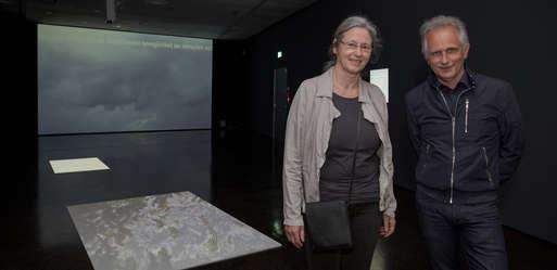 Künstlerin Renate Krammer und Kurator Günther Holler-Schuster,
