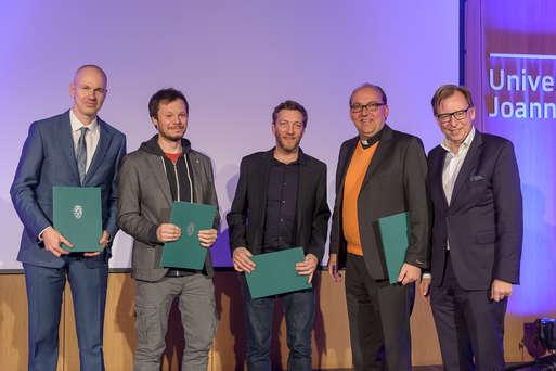 Die Preisträger mit Kulturlandesrat Christian Buchmann,