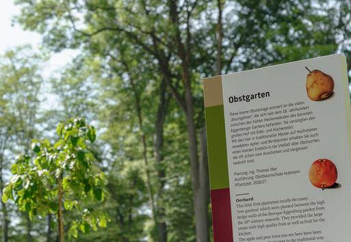 Historischer Obstgarten im Park von Schloss Eggenberg