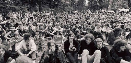 """Branko Lenart, """"Steirisches Woodstock"""" am Gelände von Schloss Poppendorf, 1971,"""