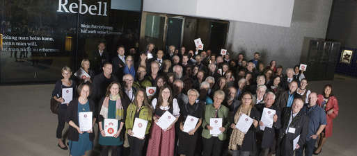 Gruppenbild mit den Preisträgerinnen und Preisträgern