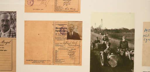 """Ausstellungsansicht, """"100 Jahre Grenze II"""","""