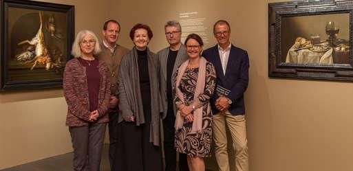 Gruppenfoto in der Ausstellung,