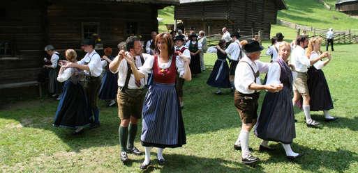 Steirischer Tanz am Stübinger Kirtag,